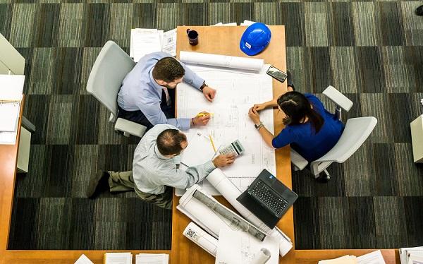 ¿Cuáles son las diferencias entre una promotora y una constructora?